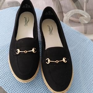 Grasshoppers loafers, size 8.